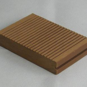 青岛木塑133宽厚24实芯地板图片