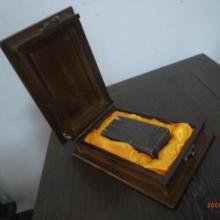 供应翻盖式玉石包装盒︱鸡翅木包装盒