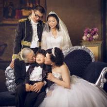 青岛主题婚纱摄影--年货全家福--皇家party批发