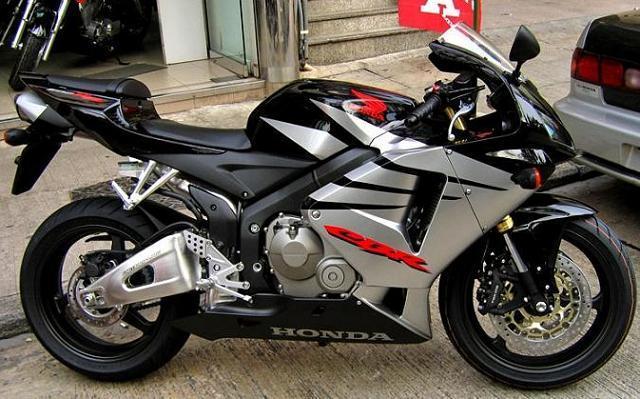 本田250摩托车跑车图片 61864 640x399