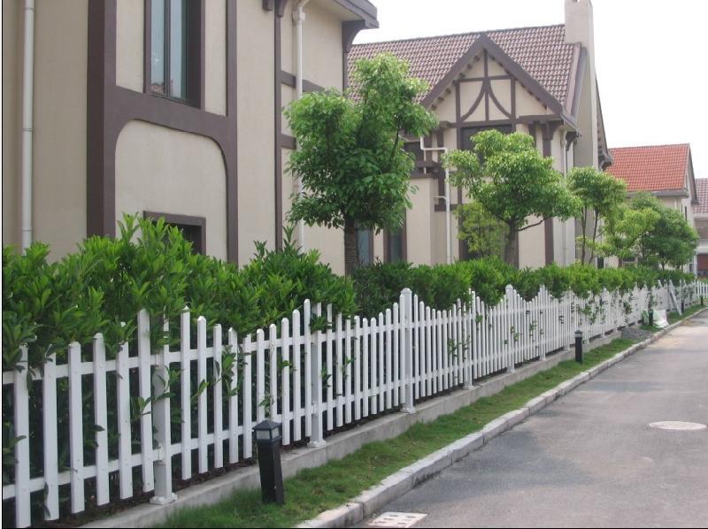 供应厂家直销pvc小区花园护栏