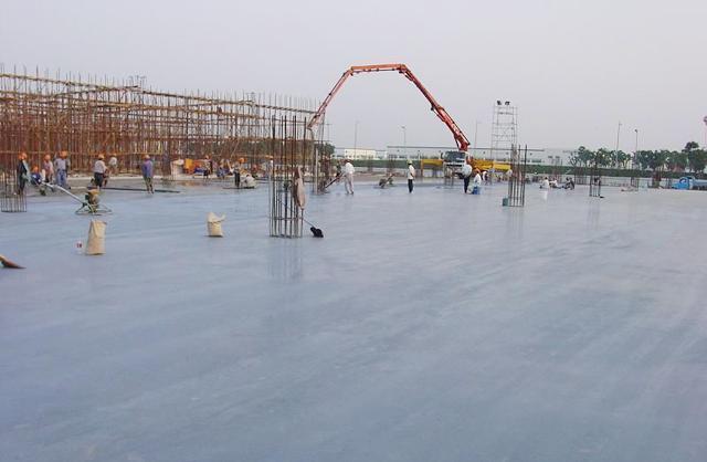 供应山东水泥地面固化剂价格图片