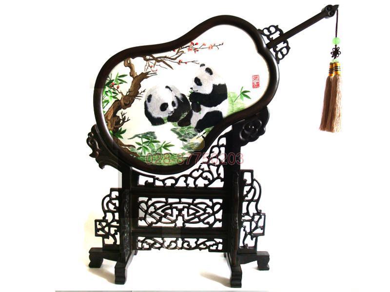 供应蜀绣摆件宫扇熊猫,四川特色礼品,成都工艺品,蜀锦蜀绣批发