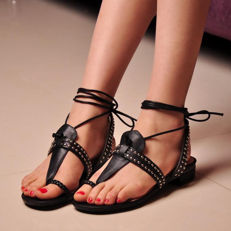 套指夹趾铆钉平跟凉鞋