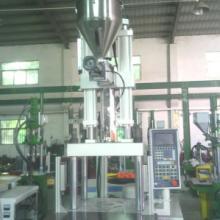 供应自动供料式立式注塑机提高生产效率/德润立式注塑机可配自动吸料系统