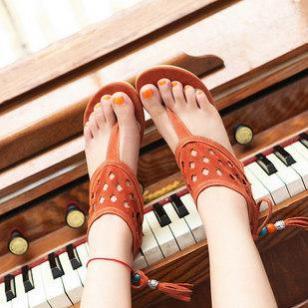 新款女鞋镂空中跟坡跟后系带淑女鞋图片