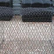 专业生产石笼网格宾网雷诺护垫图片