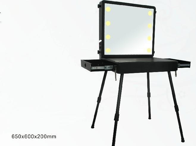 供应专业彩妆套装收纳化妆包大号化妆箱I美容工具化妆箱 LED灯箱