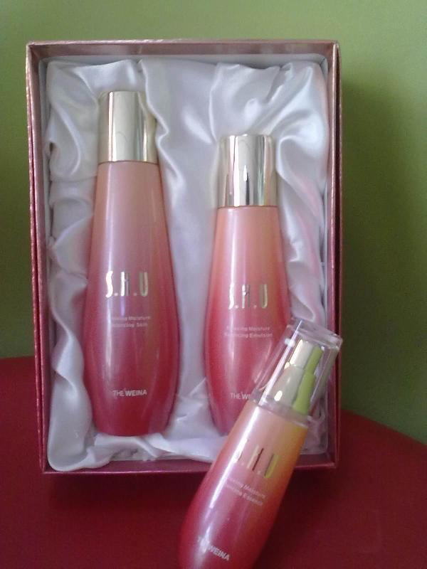 公司名称 韩国维娜化妆品 高清图片