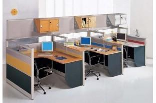金属办公家具,软体办公家具等;从使用场合分类有办公室,敞开式的职员图片