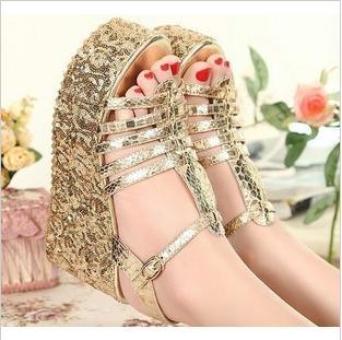供应2012新品 新款 坡跟防水台厚底罗马金属蛇皮亮片松糕凉鞋