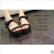 2012夏季新款香港徐濠萦松糕鞋图片