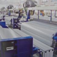 纺织机械喷水织机图片