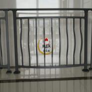 热浸锌阳台护栏锌钢环保护栏图片