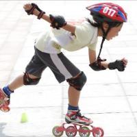 青岛开发区爱嘉轮滑最专业轮滑培训