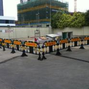 广西减速带铁护栏市政铁马图片