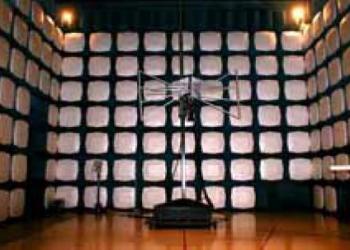 瞬变类EMC测试项目传导辐射静电图片