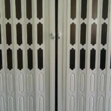 供应折叠门