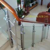 供应广州不锈钢pvc夹玻璃护栏