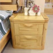供应新款式全松木床头柜