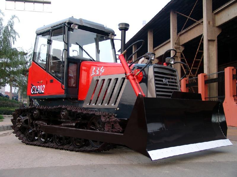 供应洛阳一拖东方红系列130马力履带拖拉机c1302图片图片