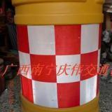 供应塑料防撞桶吹塑防撞桶隔离墩防撞