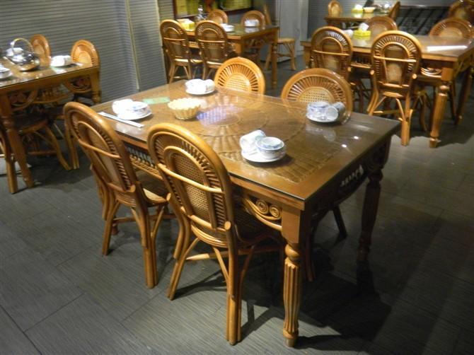 供应昆明藤椅家具餐桌椅图片