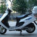 铃木豪爵银巨星125踏板摩托图片