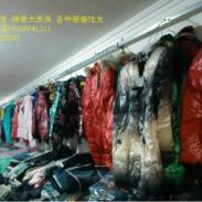 大量供应各种四季外贸整杂款服饰图片