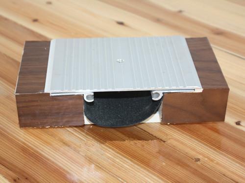供应地坪金属盖板型变形缝FTM