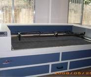 汉正街禾力服装电脑排版激光切割机图片