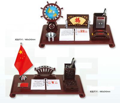 供应深圳周历红木高档台历生产商