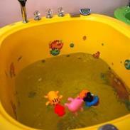 0-6岁婴幼儿游泳设备图片