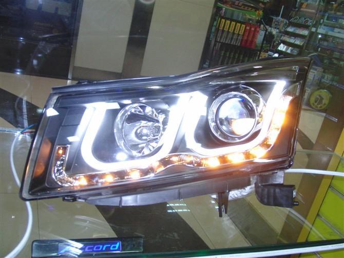 汽车改装大灯品牌.双光透镜天使眼氙气大灯总成.   功能特高清图片