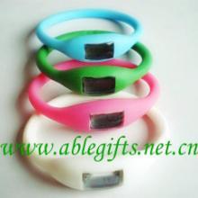 供应硅胶能量表,运动能量手表,保健硅胶手表,时尚硅胶能量表批发