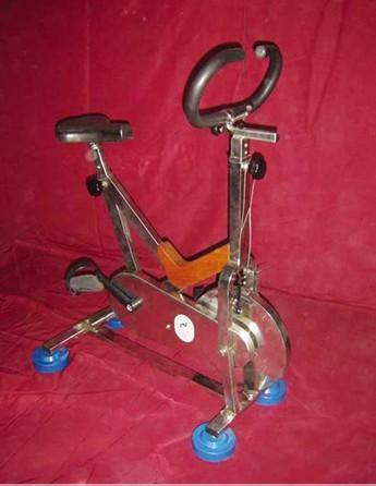 供应水中动感自行车-水下健身器材