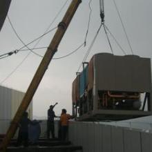 供应北京机器搬运公司,专业重大型机器起重搬运吊装就位批发