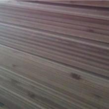 供应9mm杉木扣板 护墙板 桑拿板 天花板 吊顶板 墙壁板 企口板图片