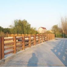 供应广西防城港仿木水泥护栏,仿木桥梁水泥护栏安装,仿木河堤护栏厂家图片