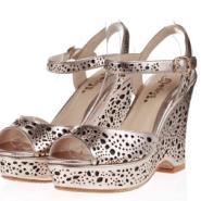 广州性感时尚镂空羊皮坡高跟女鞋图片