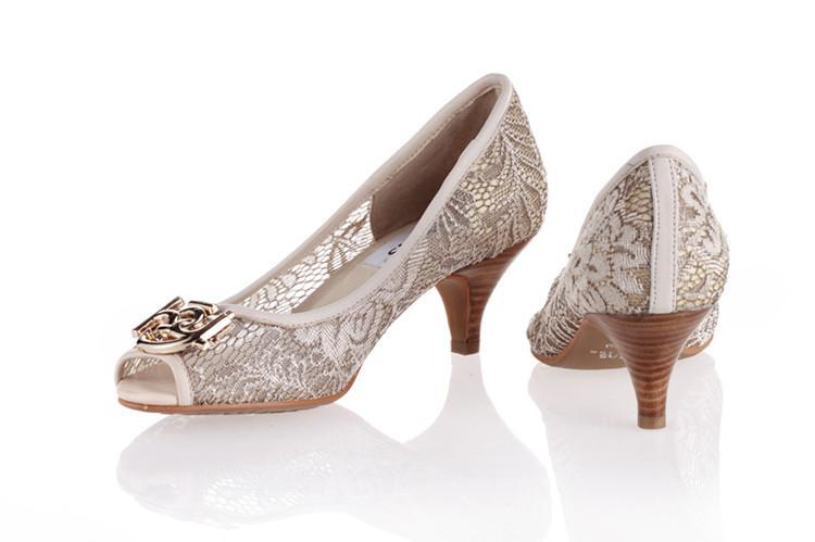 供应全国女单鞋批发、大量供应女单鞋、女单鞋什么牌子好有特色