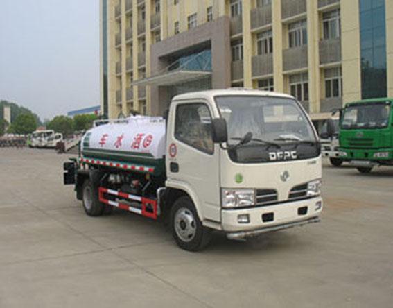 供应东风金霸国III型绿化喷洒车,国四洒水车,东风洒水车