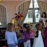 小丑魔术气球编织小丑魔术儿童生日图片