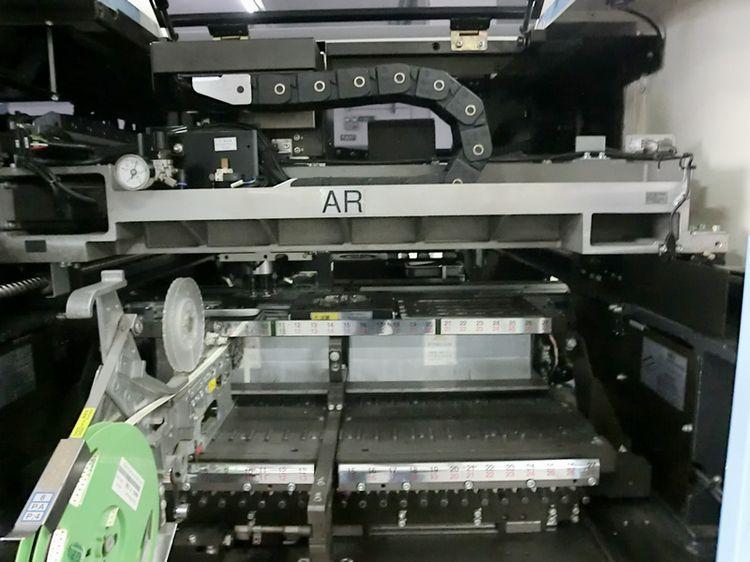 贴片机图片 贴片机样板图 42000点 时高速高产量贴片机 深...