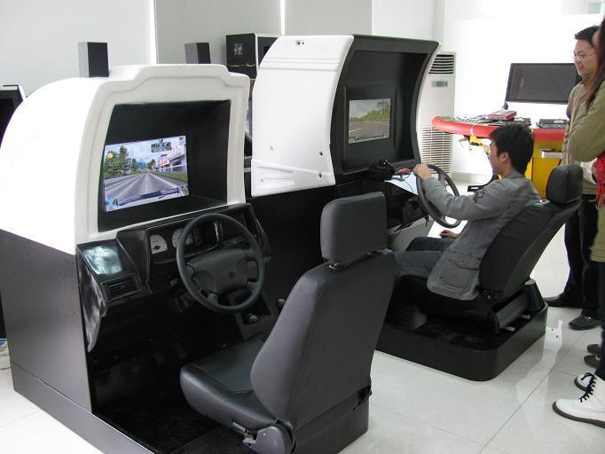 供应驾校汽车驾驶模拟器厂家汽车教学设备汽车驾驶