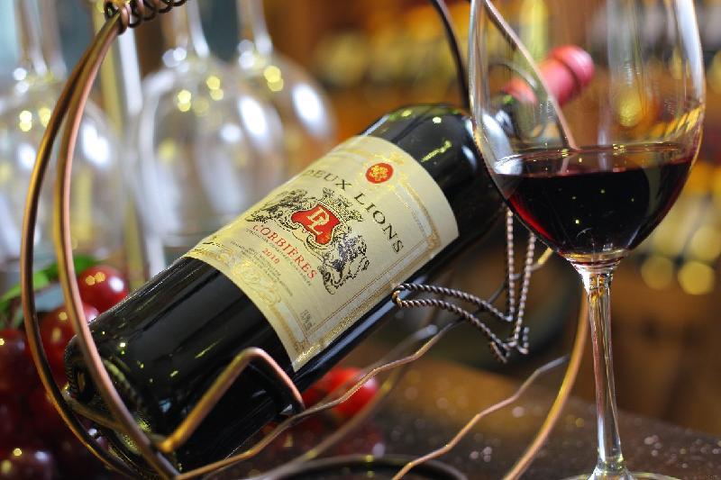 真红酒的图片_皇家雨果出品真2mini干红葡萄酒51大放送。