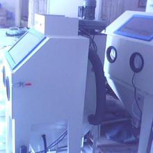 厢式环保手动喷砂机五金喷砂设备