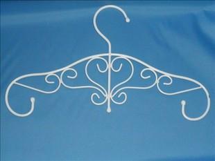 欧式铁艺厂家批发 欧式铁艺衣架雕花衣架多少钱,雕花衣架批发