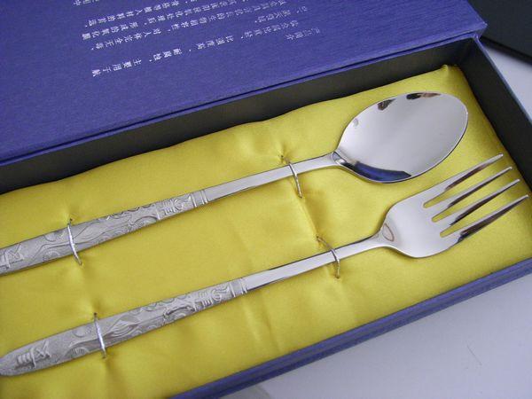 深圳市纯钛餐具批发,餐具套装批发,银餐具礼品