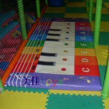 供应地钢琴新型电动淘气堡配件批发